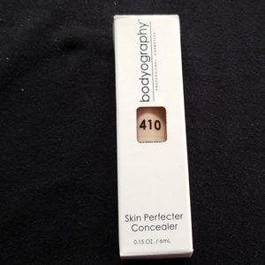 Skin perfecter concealer